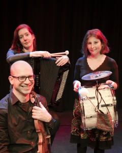 SBA Trio speelt foto Carla van Tijn